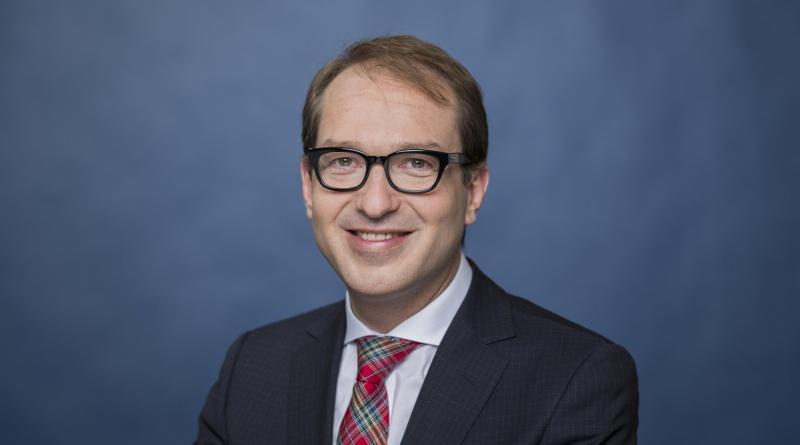 Bundesminister Alexander Dobrindt, Bundesminister für Autoindustrie und digitale Infrastruktur (Foto: Bundesregierung / Kugler)