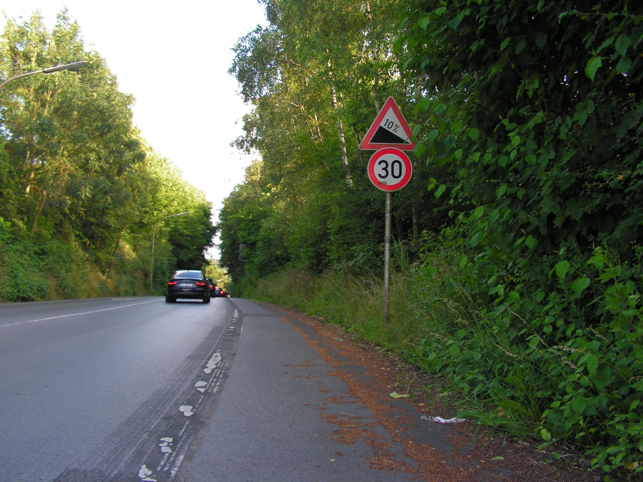 Aus Richtung Annen kommen nur die steigungstoleranten Radfahrer, der Rest kommt über das NRW-Netz aus Richtung Zentrum. (Foto: Peter Maier)