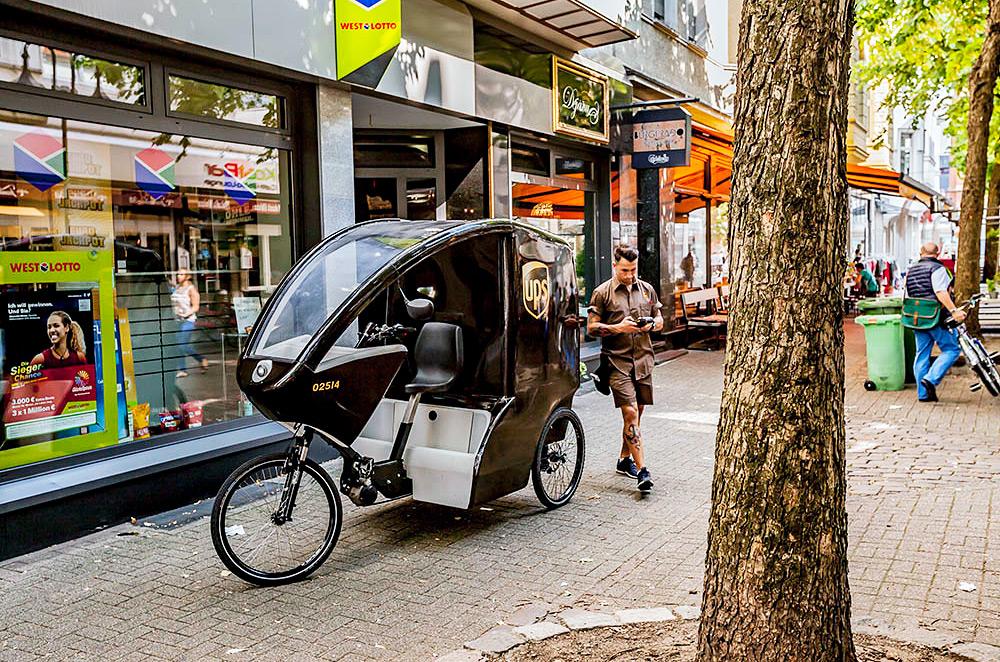 E-Bike im Einsatz, Behrensstraße in der Herner City (Foto: Frank Dieper, Stadt Herne)